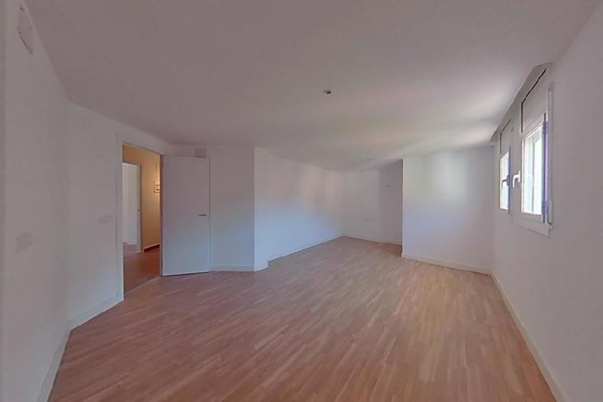 Piso en venta en Torroella de Montgrí, Girona, Calle Victor Concas, 102.000 €, 3 habitaciones, 1 baño, 149 m2