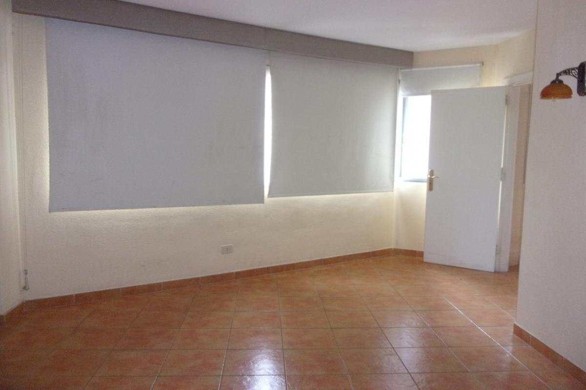 Piso en venta en Santa Cruz de la Palma, Santa Cruz de Tenerife, Avenida El Puente, 78.000 €, 3 habitaciones, 1 baño, 70 m2