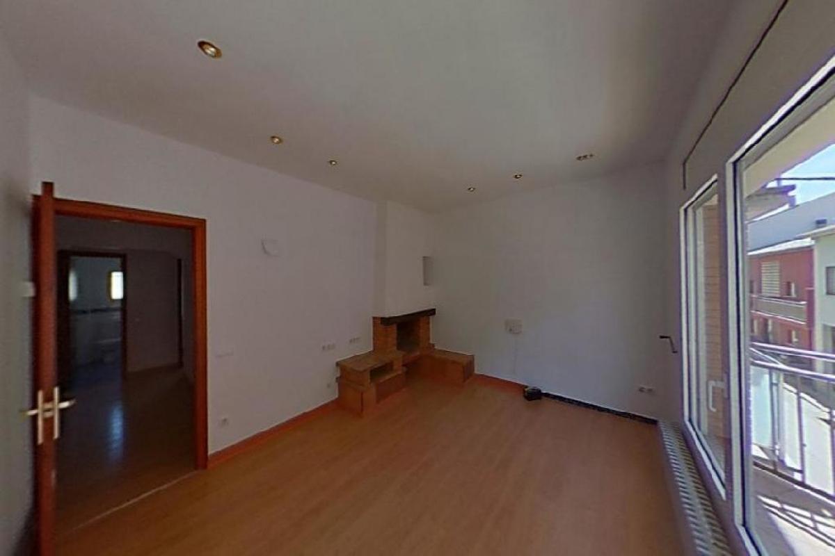 Casa en venta en Sant Hipòlit de Voltregà, Barcelona, Calle Montserrat, 165.000 €, 7 habitaciones, 3 baños, 436 m2