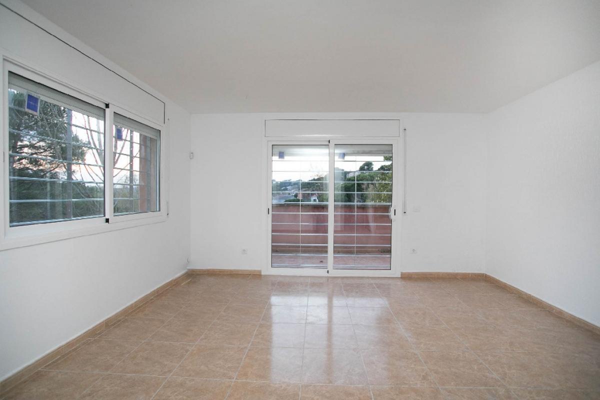 Casa en venta en Vidreres, Girona, Calle Avellaner, 88.500 €, 3 habitaciones, 2 baños, 133 m2