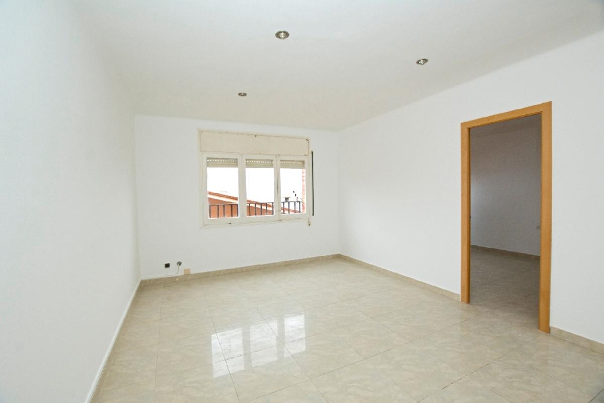Piso en venta en Artés, Barcelona, Calle Tarragona, 58.500 €, 3 habitaciones, 1 baño, 80 m2