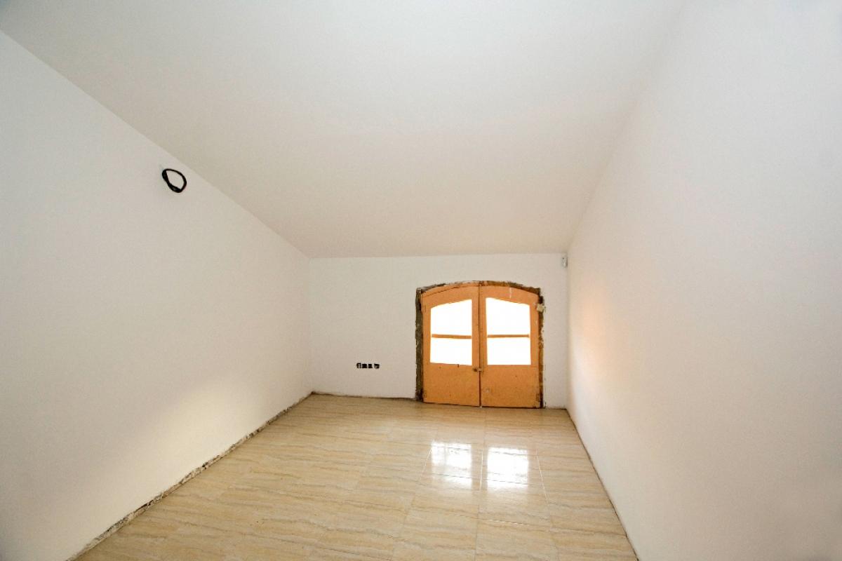 Piso en venta en Manresa, Barcelona, Calle Santa Maria, 45.000 €, 2 habitaciones, 1 baño, 67 m2