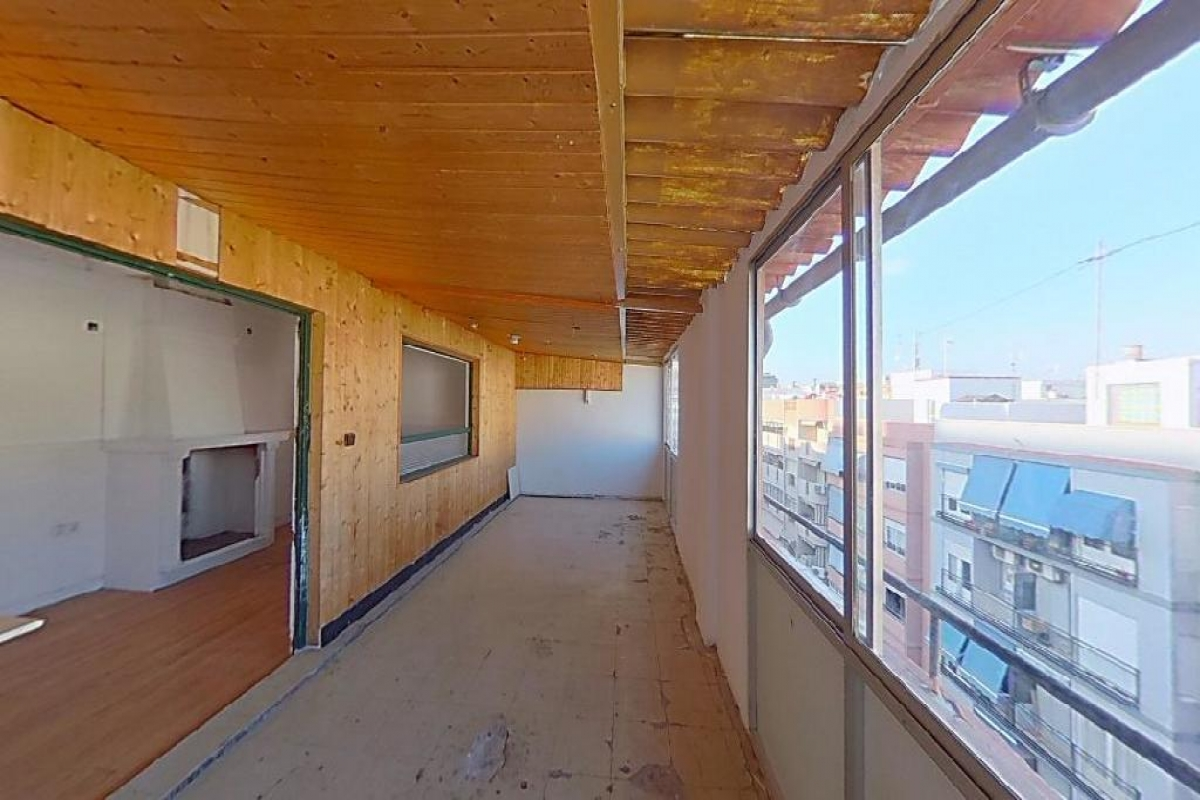 Piso en venta en Benalúa, Alicante/alacant, Alicante, Calle San Agatangelo, 62.000 €, 2 habitaciones, 1 baño, 80 m2