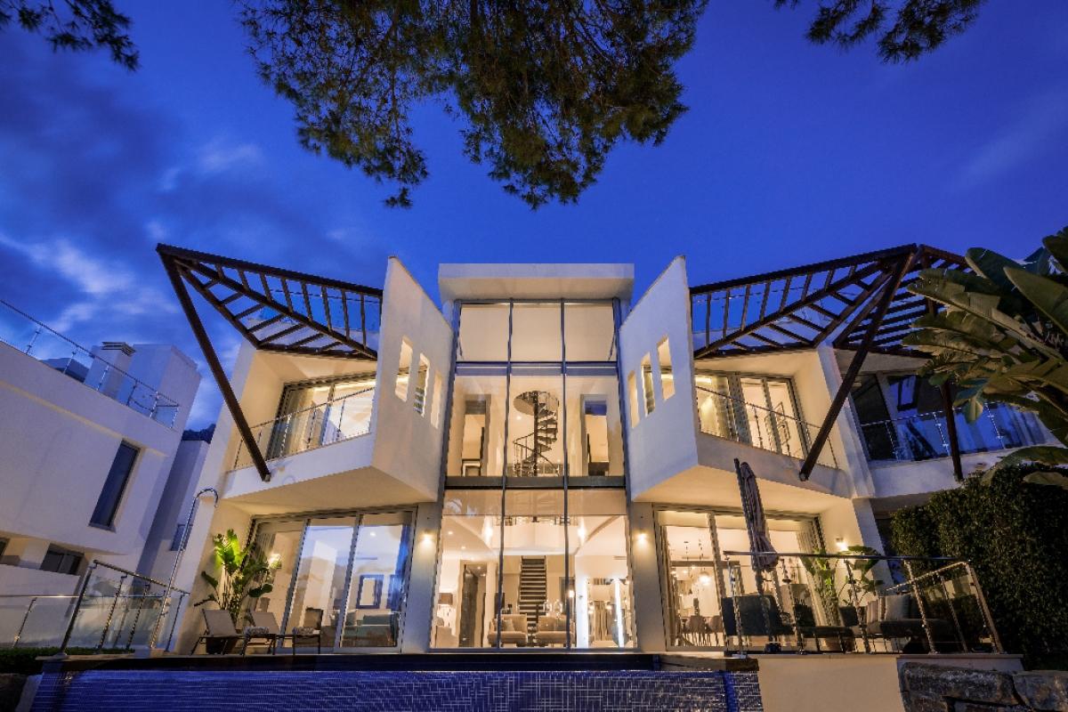 Casa en venta en Marbella, Málaga, Calle Verdi, 2.300.000 €, 4 habitaciones, 4 baños, 479 m2