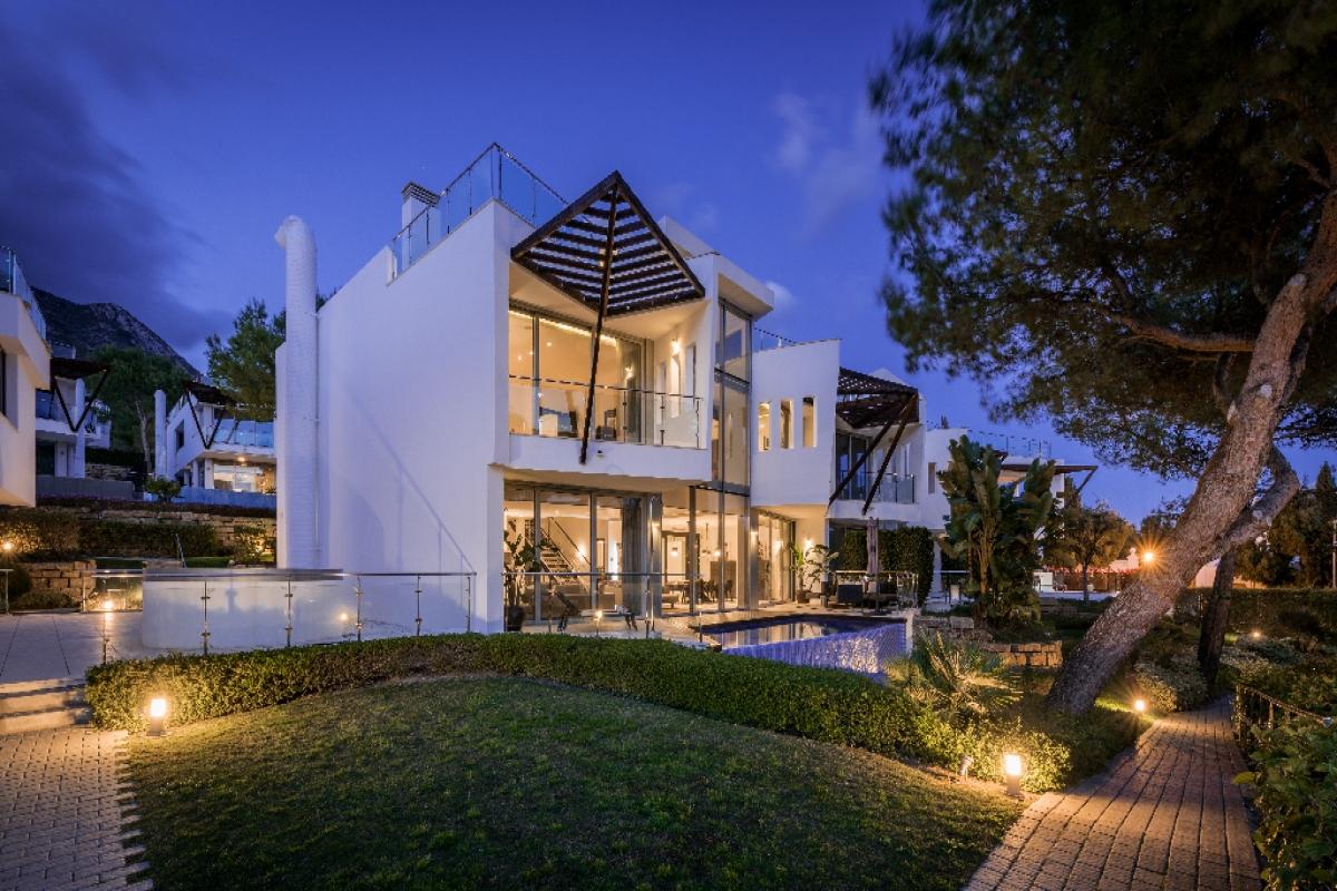 Casa en venta en Marbella, Málaga, Calle Verdi, 2.725.000 €, 3 habitaciones, 3 baños, 479 m2
