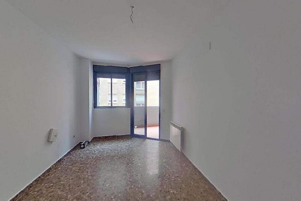 Piso en venta en Castellón de la Plana/castelló de la Plana, Castellón, Calle Sierra Mariola, 124.500 €, 3 habitaciones, 2 baños, 118 m2