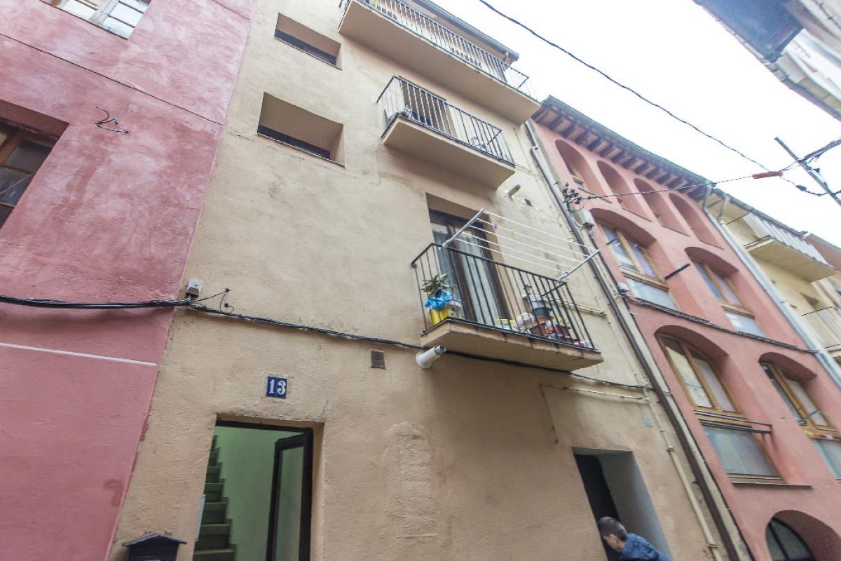 Piso en venta en Piso en Berga, Barcelona, 40.250 €, 2 habitaciones, 1 baño, 71 m2