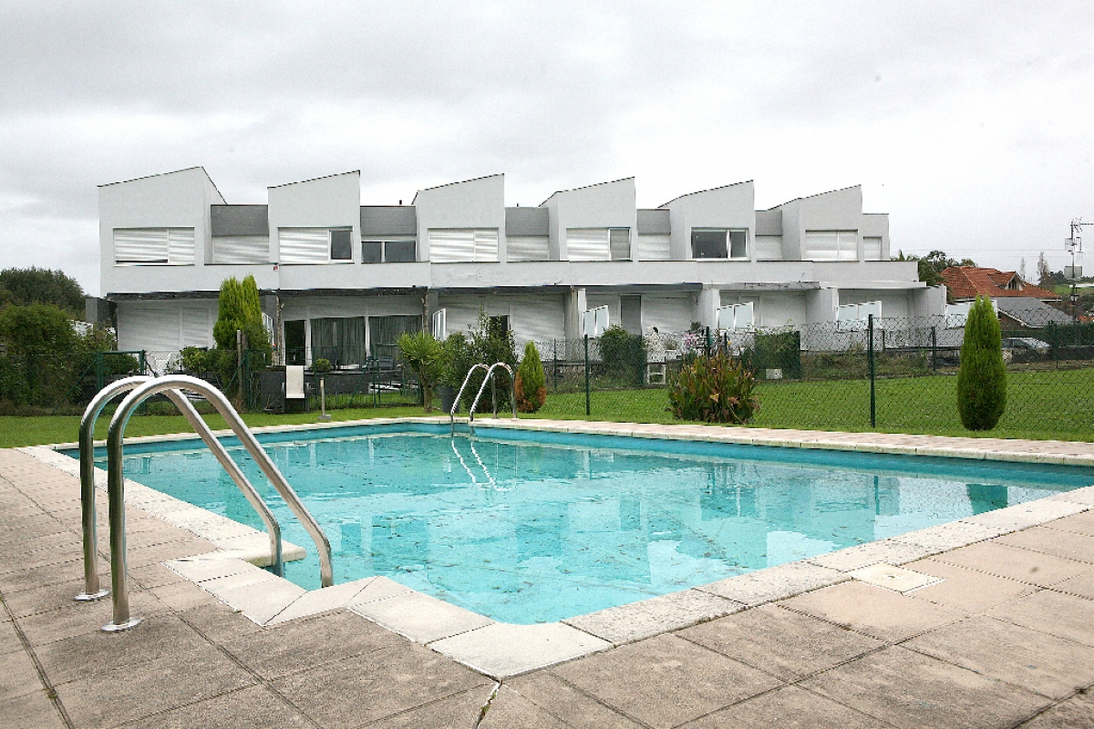 Casa en venta en Polanco, Cantabria, Calle El Ventoso, 165.500 €, 3 habitaciones, 2 baños, 157 m2