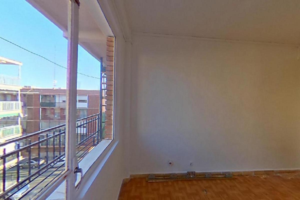 Piso en venta en Reyes Católicos, Alcalá de Henares, Madrid, Calle Cruz de San Sebastian, 113.000 €, 3 habitaciones, 1 baño, 65 m2