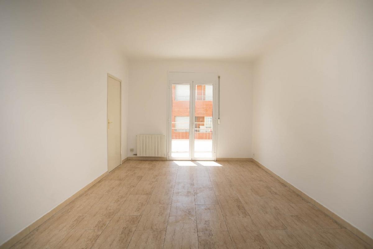 Piso en venta en Xalets - Humbert Torres, Lleida, Lleida, Calle Alfred Perenya, 123.000 €, 5 habitaciones, 2 baños, 141 m2