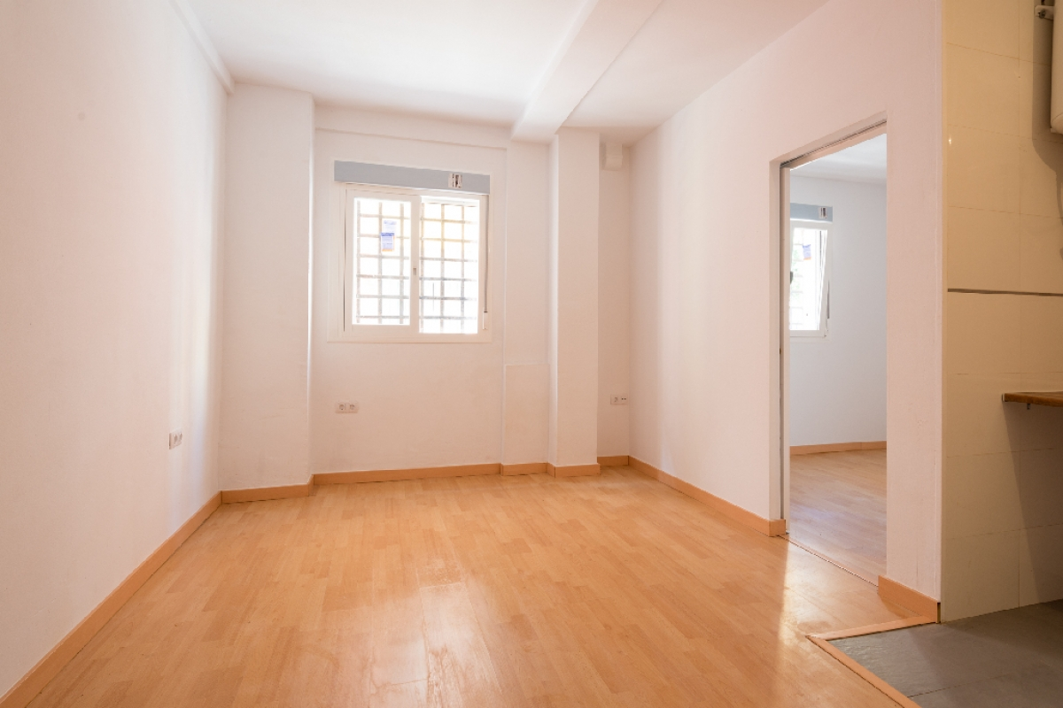 Piso en venta en Centro, Málaga, Málaga, Calle Altozano, 99.000 €, 1 habitación, 1 baño, 42 m2