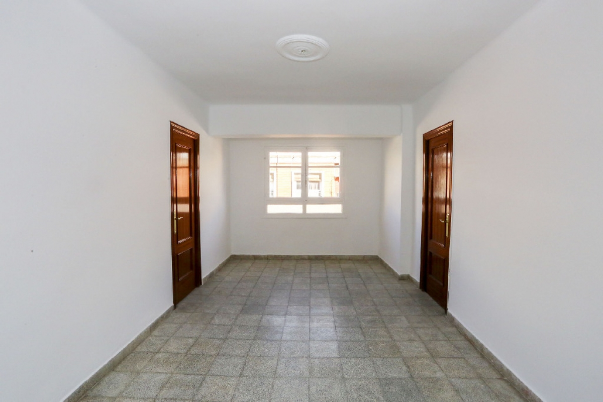 Piso en venta en Rascanya, Valencia, Valencia, Calle Arquitecto Rodriguez, 73.000 €, 3 habitaciones, 1 baño, 72 m2