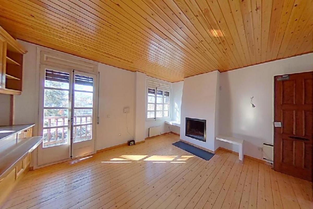 Piso en venta en Mas Jonquer, Llívia, Girona, Avenida Catalunya, 158.000 €, 2 habitaciones, 2 baños, 96 m2