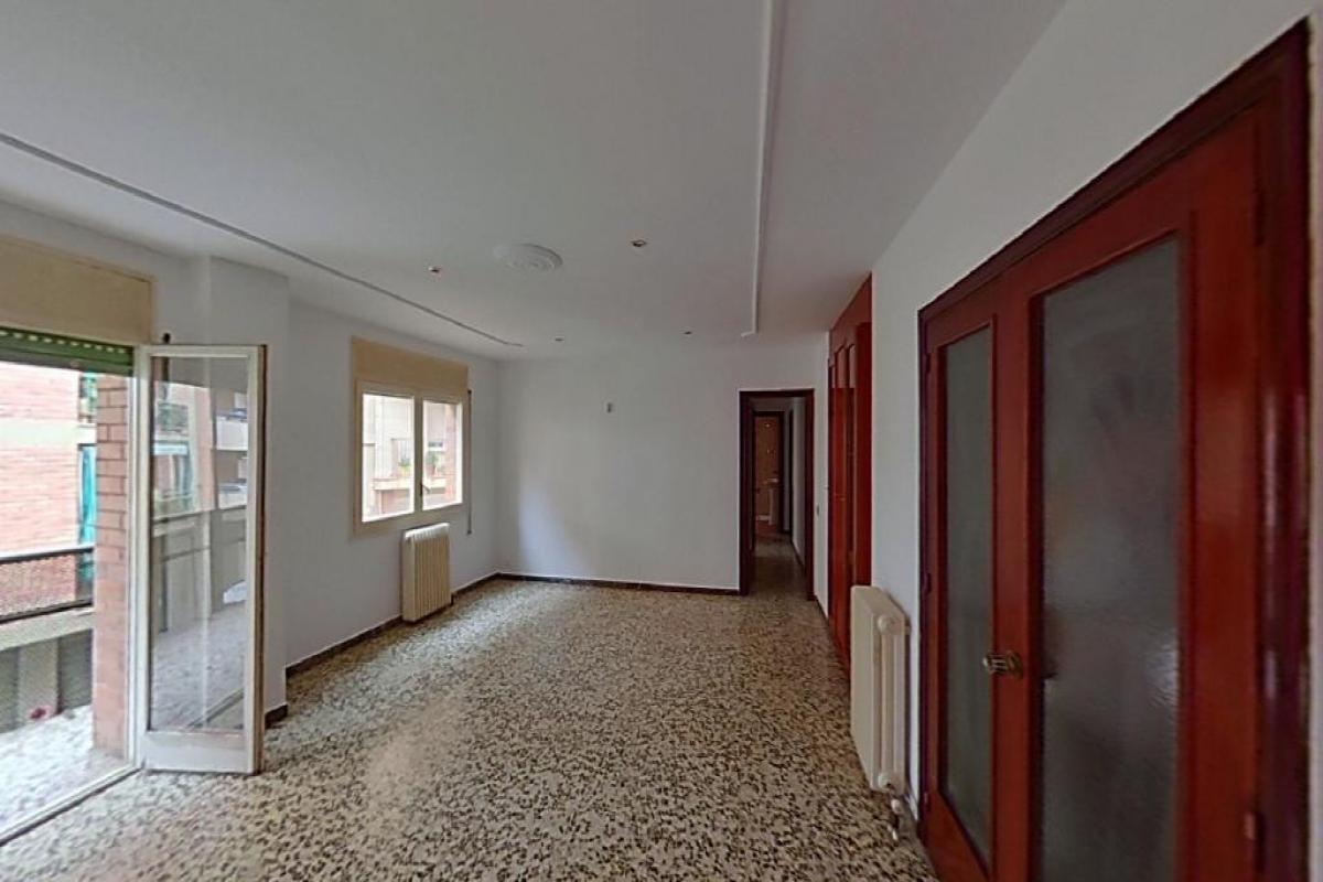 Piso en venta en Lleida, Lleida, Avenida Les Garrigues, 124.000 €, 4 habitaciones, 2 baños, 129 m2