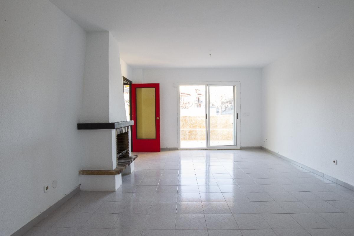 Casa en venta en Torredembarra, Tarragona, Avenida Mar Cantabric, 149.500 €, 3 habitaciones, 2 baños, 161 m2