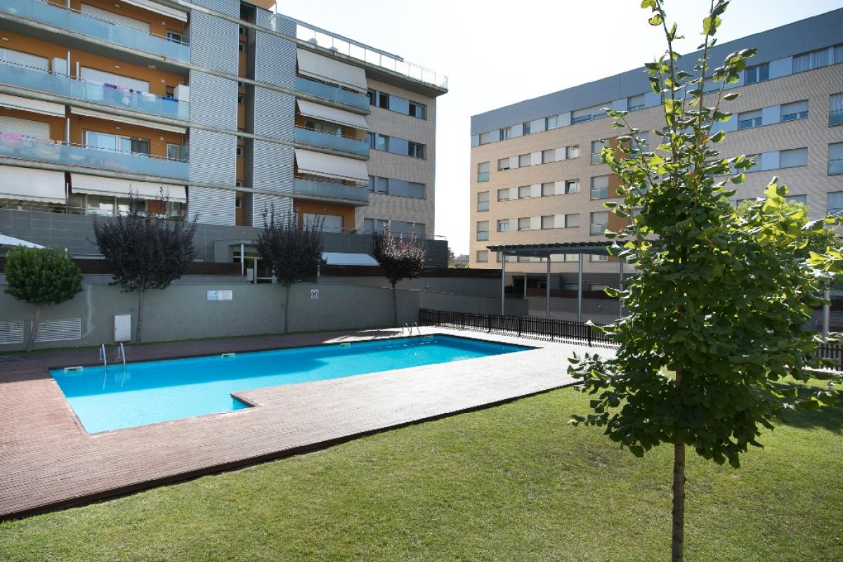 Piso en venta en Vilatenim, Figueres, Girona, Avenida Maria Angels Anglada, 184.000 €, 2 habitaciones, 1 baño, 83 m2