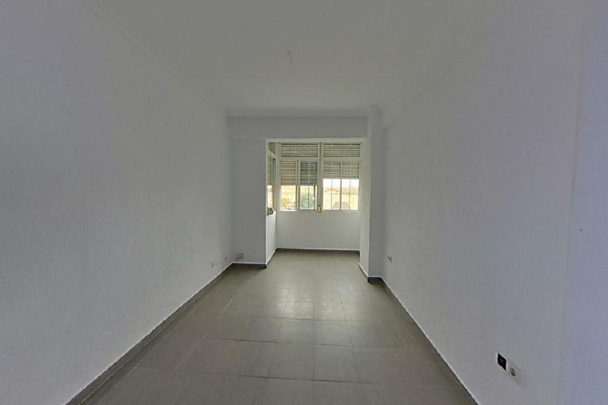 Piso en venta en Huelva, Huelva, Avenida Nuevo Colombino, 58.000 €, 3 habitaciones, 1 baño, 79 m2