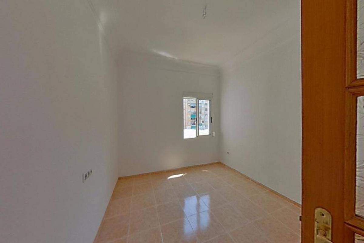 Piso en venta en Extramurs, Valencia, Valencia, Avenida Perez Galdos, 152.000 €, 4 habitaciones, 1 baño, 87 m2
