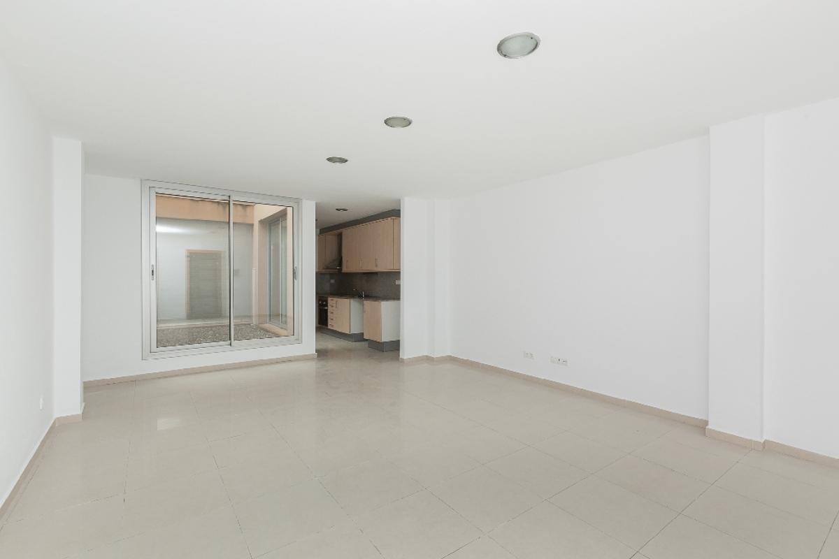 Local en venta en Ca la Còrdia, Molins de Rei, Barcelona, Avenida Valencia, 144.000 €, 83 m2