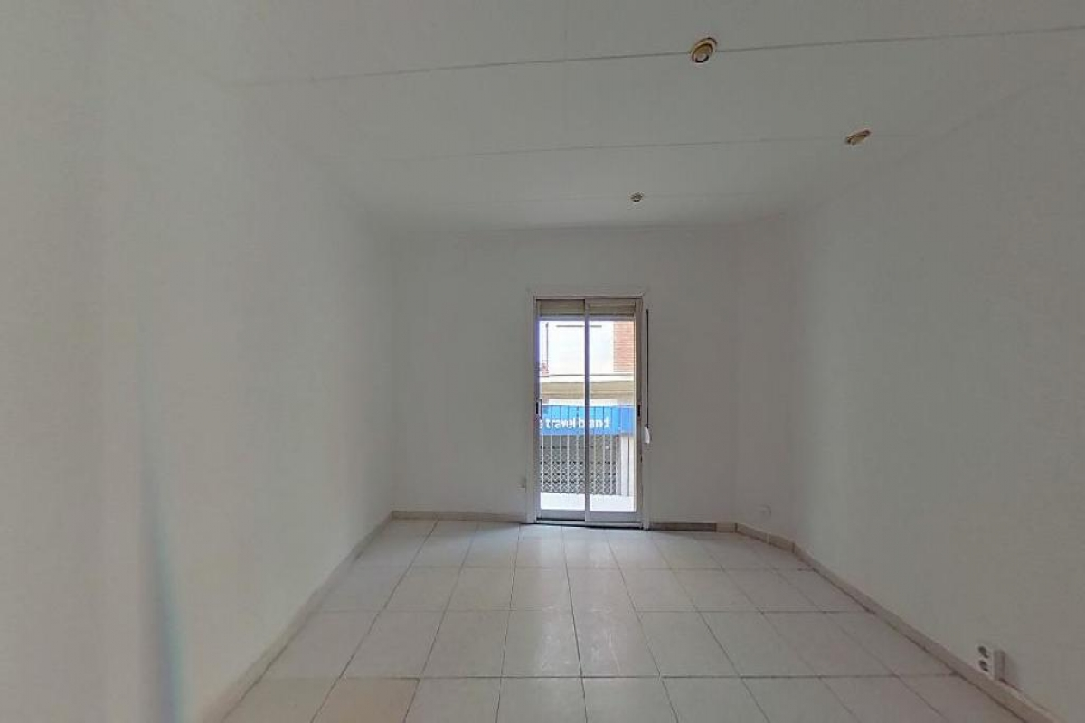 Piso en venta en El Carme, Reus, Tarragona, Calle Baix de Sant Joan, 52.000 €, 1 habitación, 1 baño, 56 m2