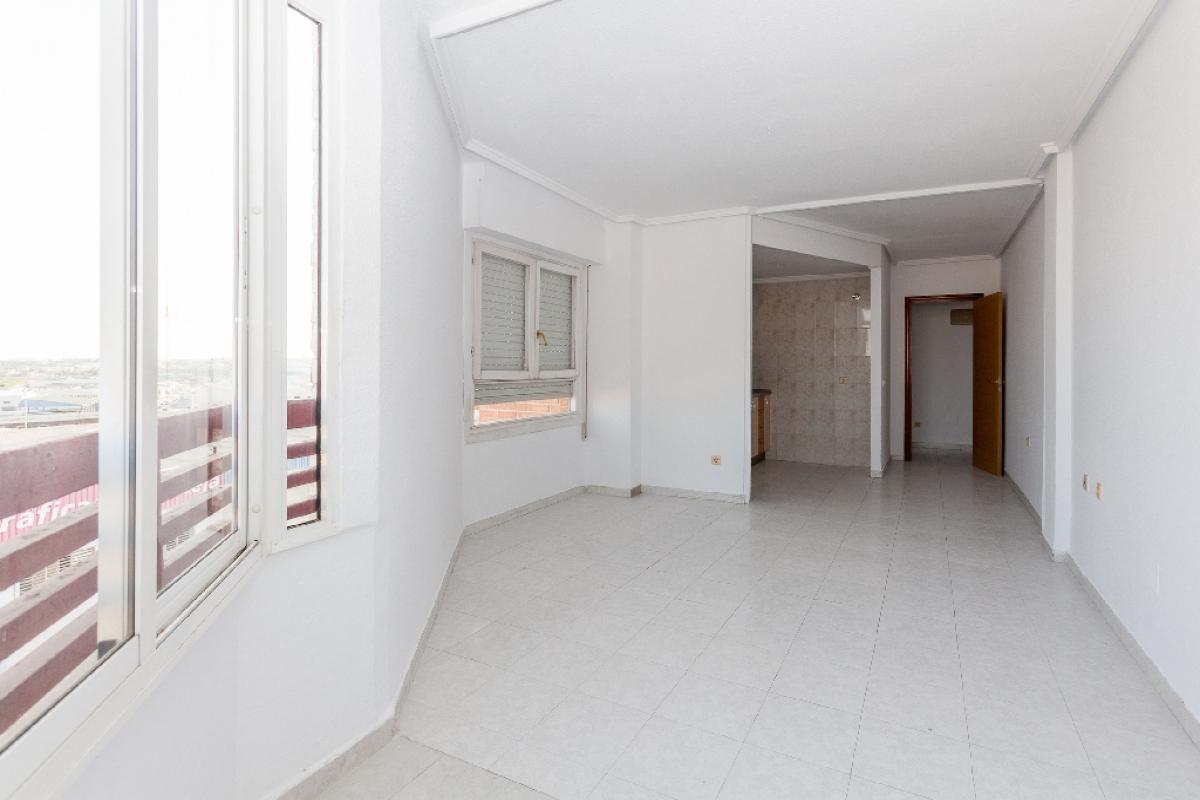 Piso en venta en Urbanización Calas Blancas, Torrevieja, Alicante, Calle Bazan, 45.500 €, 1 habitación, 1 baño, 53 m2
