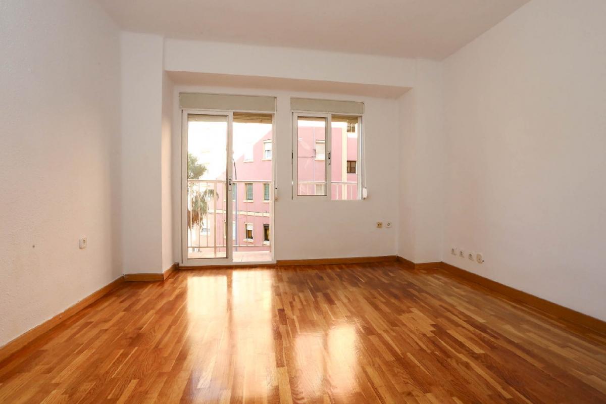 Piso en venta en Pueblo Viejo de Belchite, Valencia, Valencia, Calle Belchite, 100.500 €, 3 habitaciones, 1 baño, 71 m2