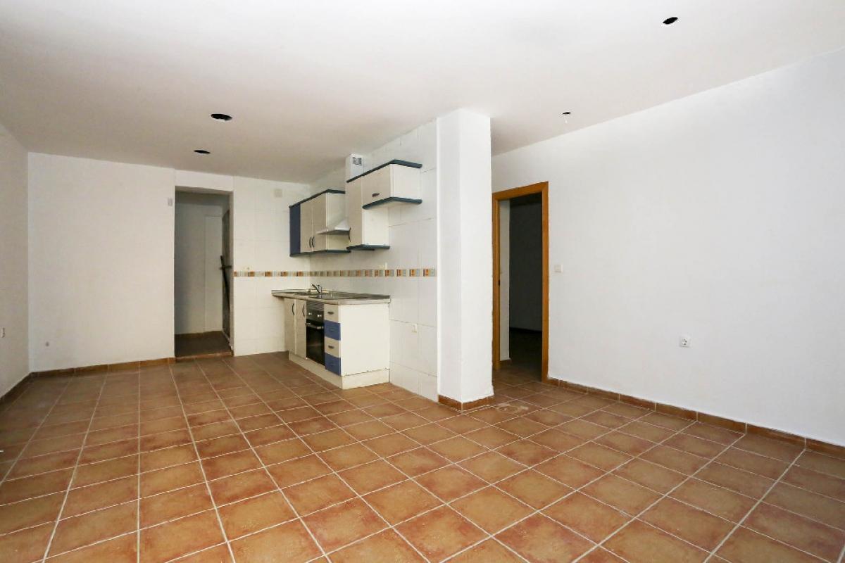Piso en venta en Beniatjar, Valencia, Valencia, Calle Beniatjer, 91.500 €, 3 habitaciones, 1 baño, 68 m2