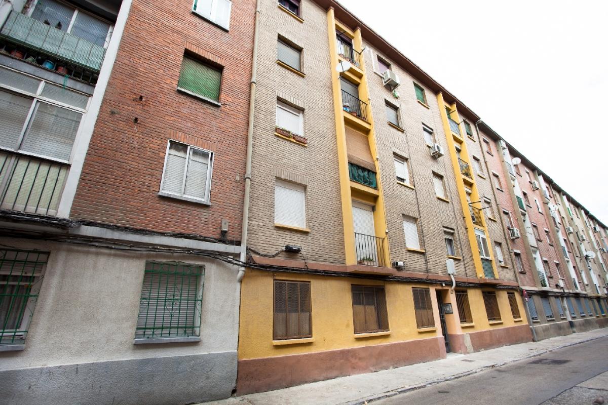 Piso en venta en San Pablo, Zaragoza, Zaragoza, Calle Biello Aragon, 79.500 €, 3 habitaciones, 1 baño, 65 m2