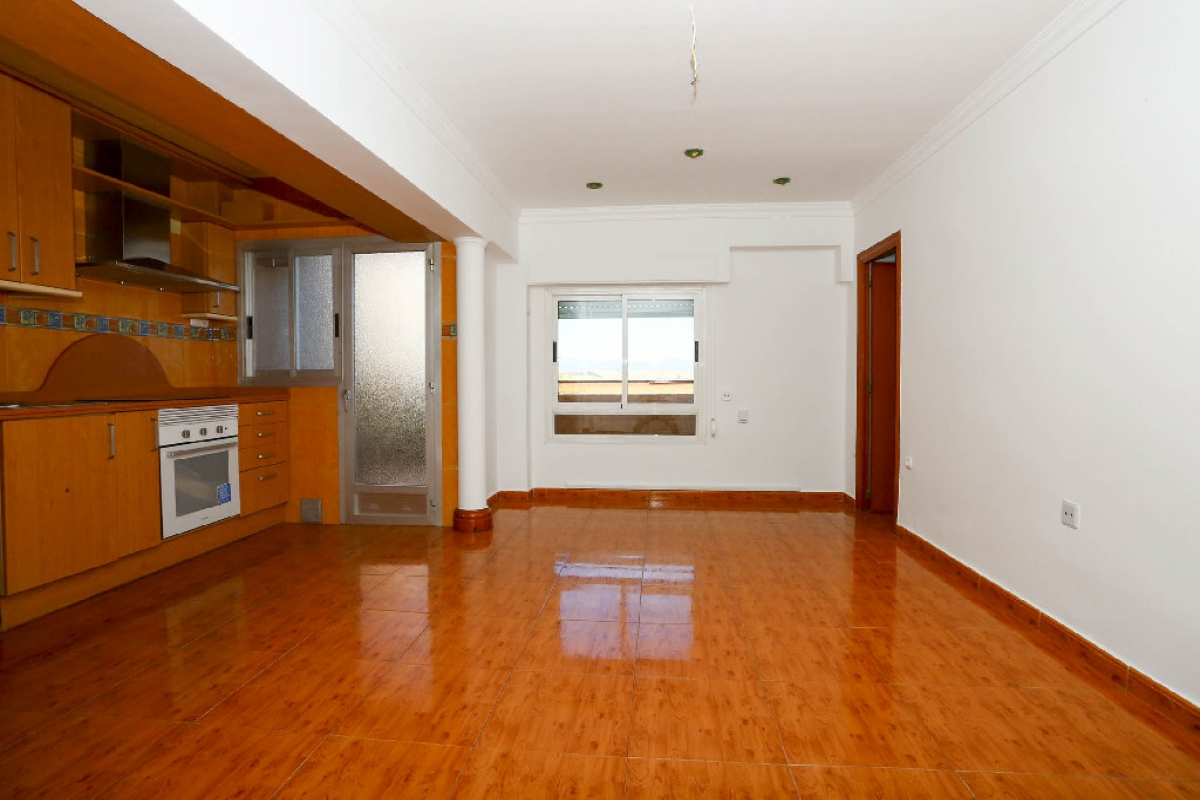 Piso en venta en Benicalap, Valencia, Valencia, Calle Carmelo Roda, 87.000 €, 3 habitaciones, 1 baño, 72 m2