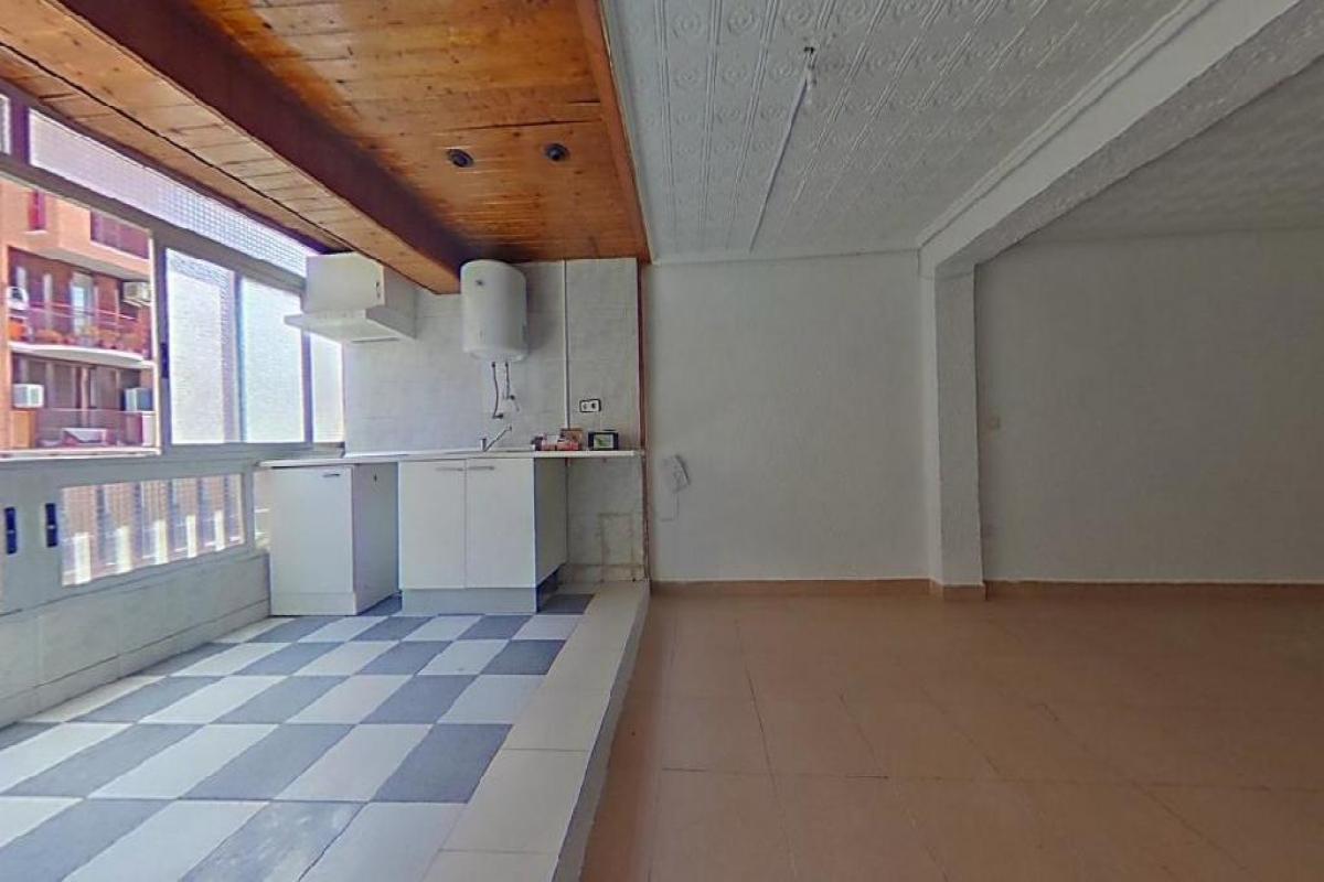 Piso en venta en Rascanya, Valencia, Valencia, Calle Duque de Mandas, 59.500 €, 4 habitaciones, 2 baños, 68 m2