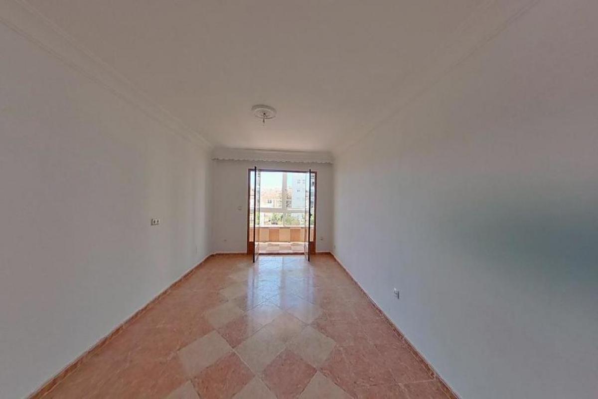 Piso en venta en Barriada Islas Canarias, Estepona, Málaga, Calle Maria Magdalena, 149.000 €, 3 habitaciones, 1 baño, 102 m2