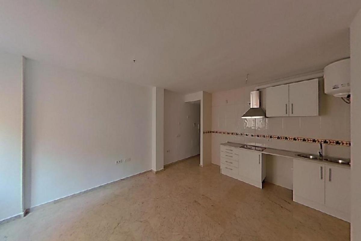 Piso en venta en Oliveros, Almería, Almería, Calle Melilla, 86.500 €, 1 habitación, 1 baño, 39 m2