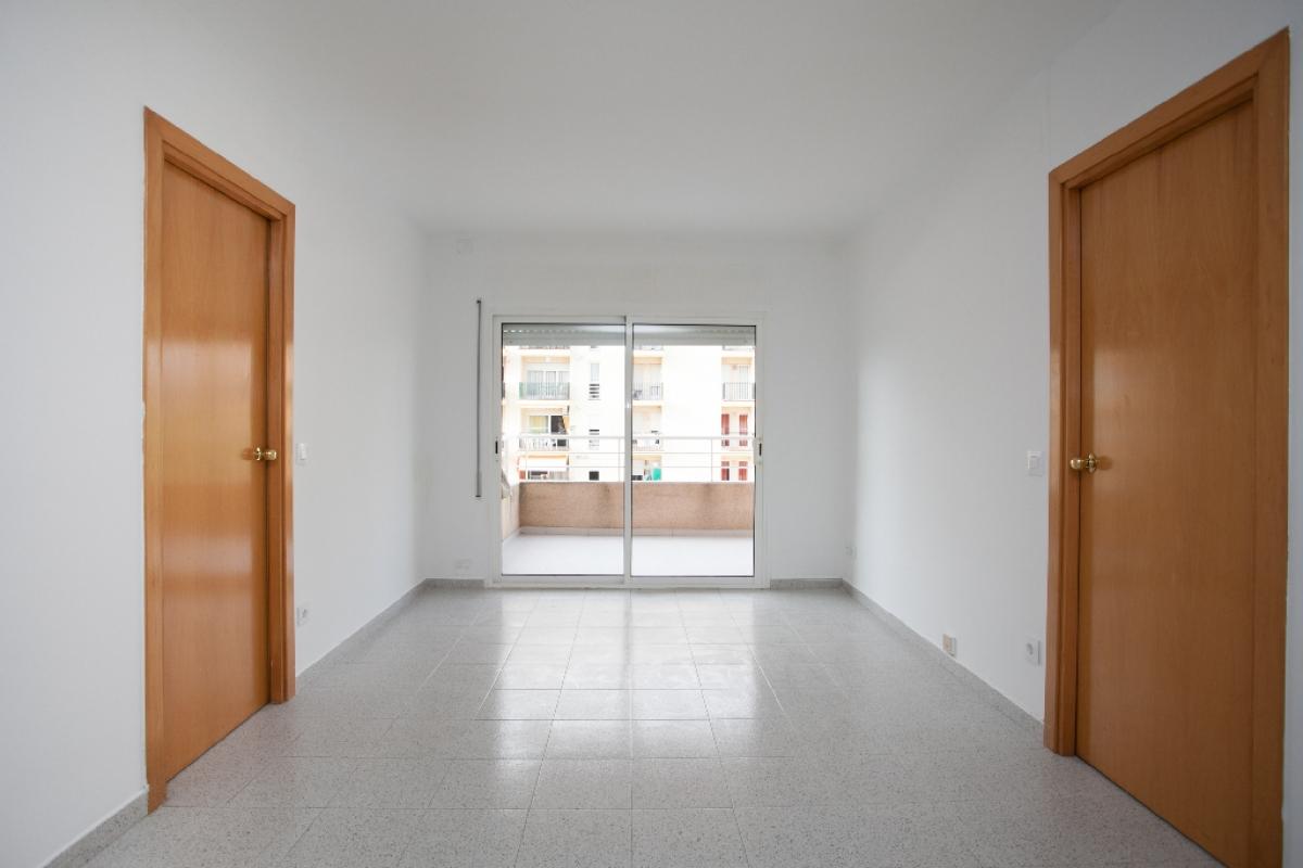 Piso en venta en Blanes, Girona, Calle Merce Rodoreda, 183.000 €, 2 habitaciones, 2 baños, 75 m2
