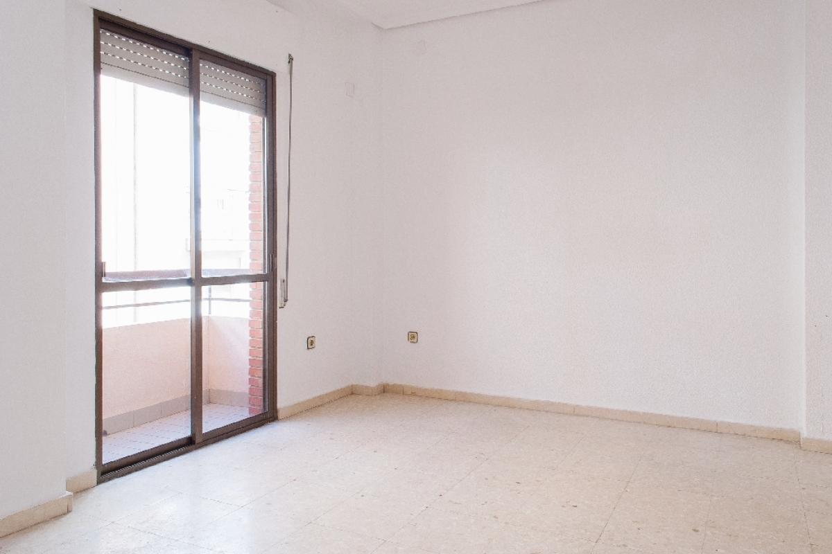 Piso en venta en Huelva, Huelva, Calle Miguel Redondo, 115.500 €, 3 habitaciones, 2 baños, 105 m2