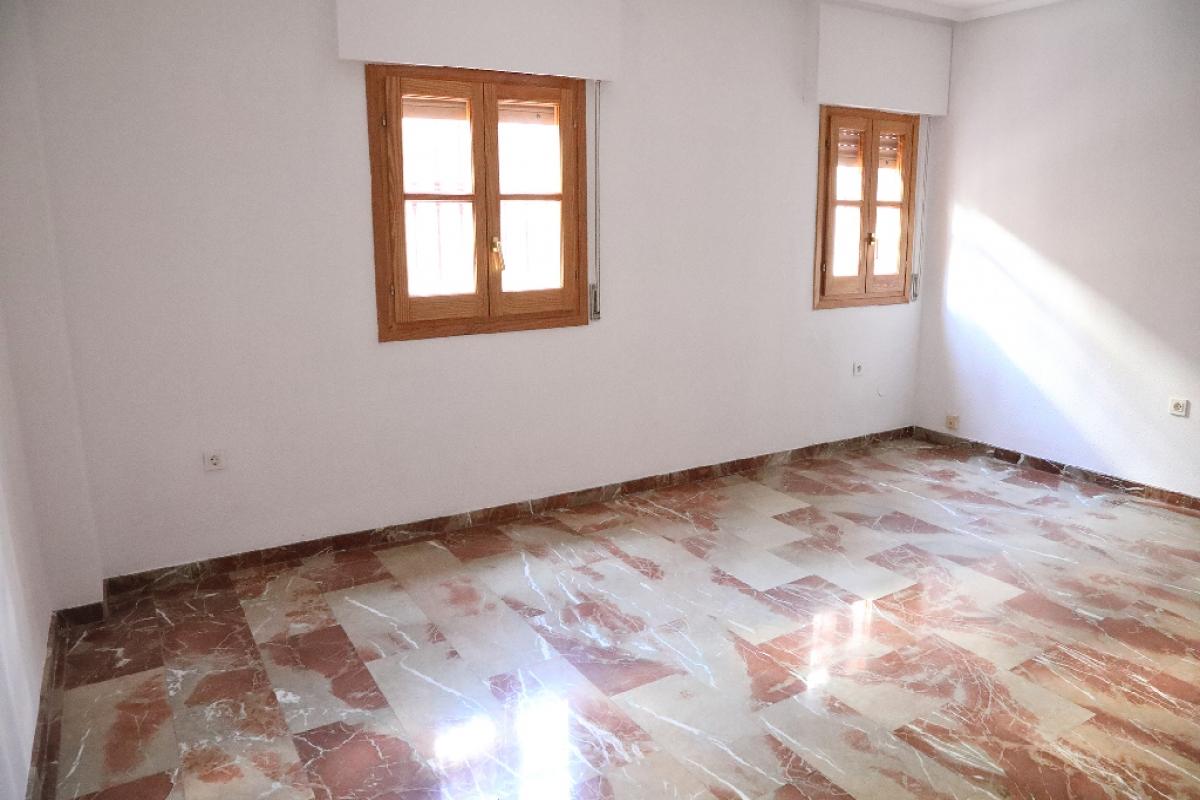 Piso en venta en La Merced, Jaén, Jaén, Calle Montero Moya, 76.000 €, 2 habitaciones, 1 baño, 80 m2