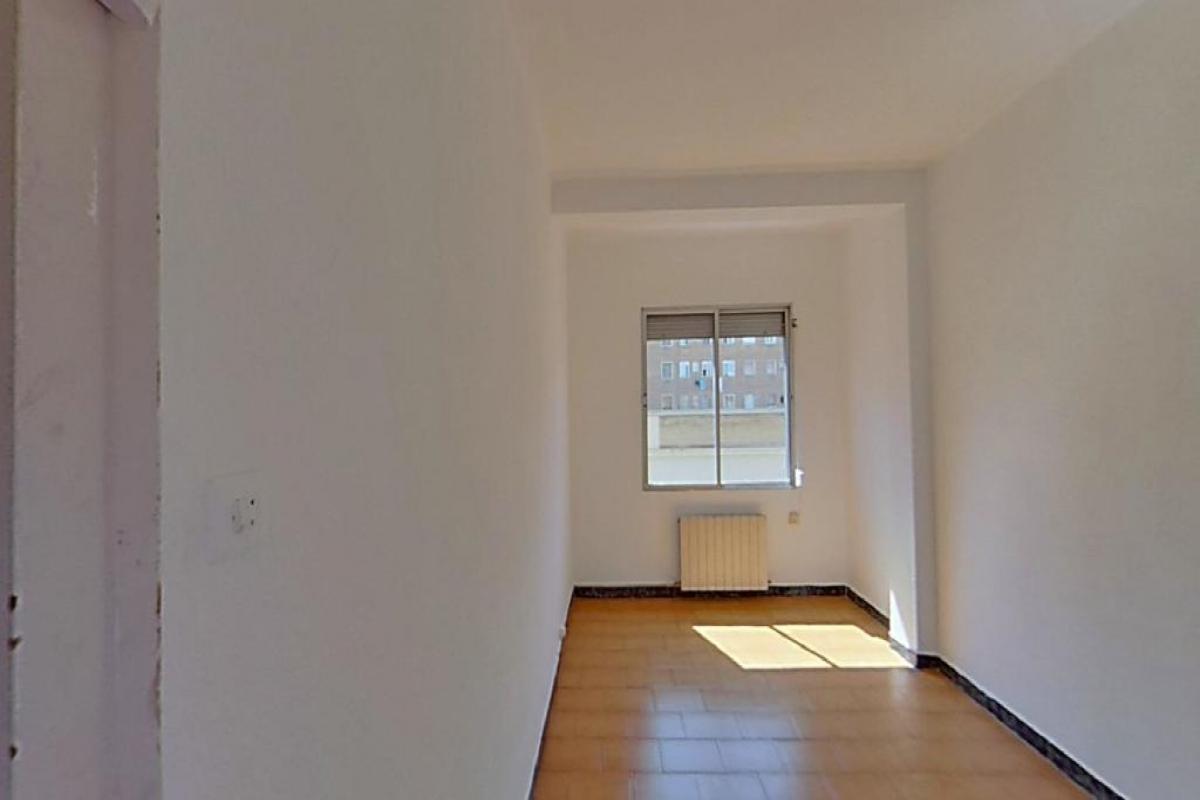 Piso en venta en Delicias, Zaragoza, Zaragoza, Calle Obispo Covarrubias, 128.000 €, 3 habitaciones, 1 baño, 70 m2