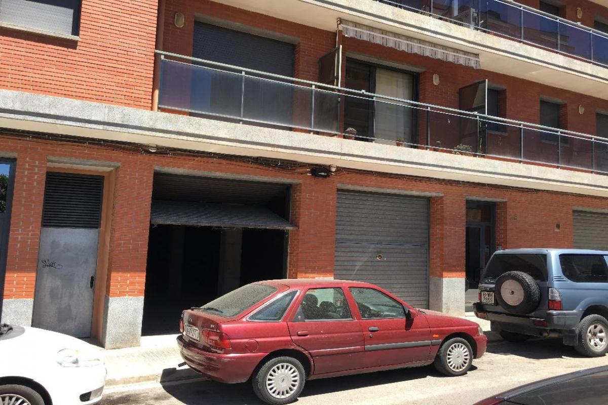 Local en venta en Sagrada Família, Manresa, Barcelona, Calle Pintor Morell, 202.500 €, 471 m2