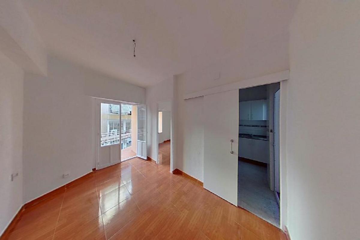 Piso en venta en Divina Pastora, Alicante/alacant, Alicante, Calle Rabasa, 82.000 €, 3 habitaciones, 1 baño, 84 m2