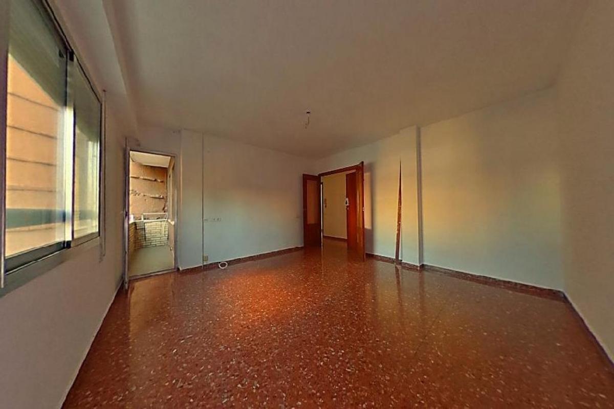 Piso en venta en La Cantera, Valencia, Valencia, Calle Sagunto, 195.000 €, 3 habitaciones, 2 baños, 125 m2