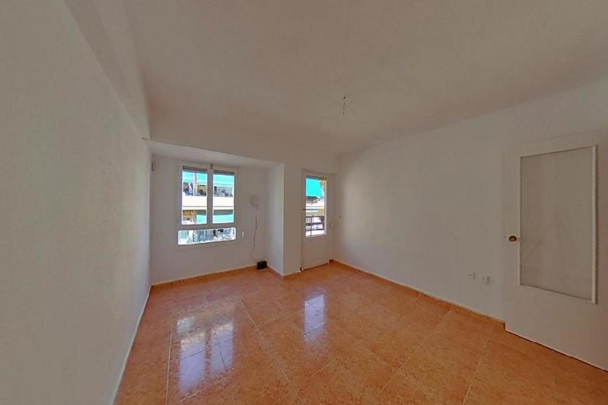 Piso en venta en Carolinas Bajas, Alicante/alacant, Alicante, Calle San Mateo, 75.000 €, 3 habitaciones, 1 baño, 92 m2