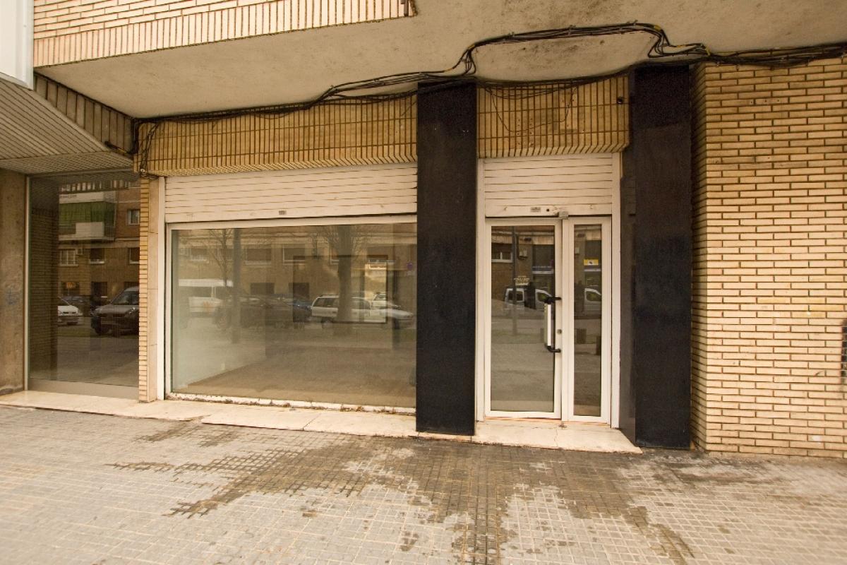 Local en venta en Vic - Remei, Manresa, Barcelona, Calle Sant Joan D en Coll, 83.000 €, 97 m2