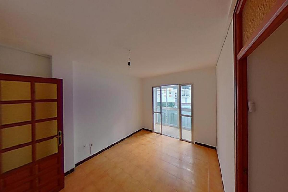 Piso en venta en Viviendas del Sol, Estepona, Málaga, Calle Terraza, 133.000 €, 3 habitaciones, 1 baño, 77 m2
