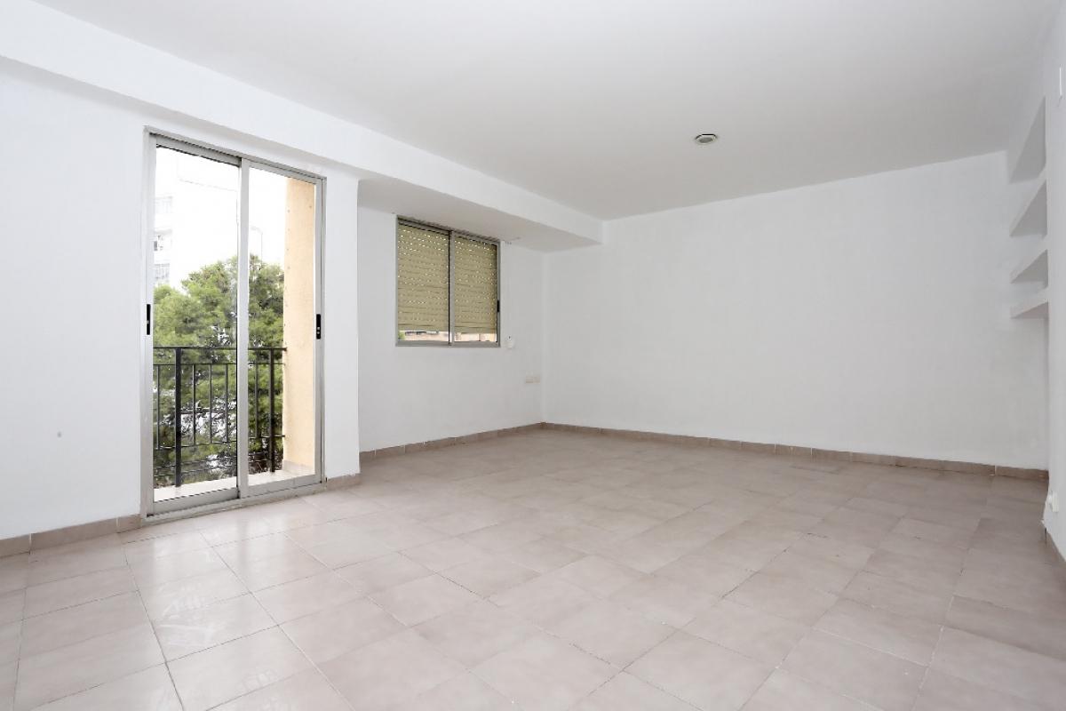 Piso en venta en Turís, Valencia, Valencia, Calle Turis, 76.000 €, 3 habitaciones, 1 baño, 102 m2