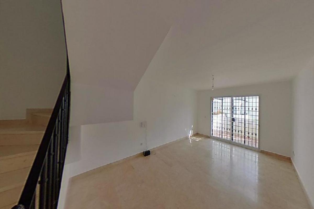 Casa en venta en Nueva Andalucía, Marbella, Málaga, Urbanización Aloha Golf, 341.000 €, 2 habitaciones, 1 baño, 101 m2