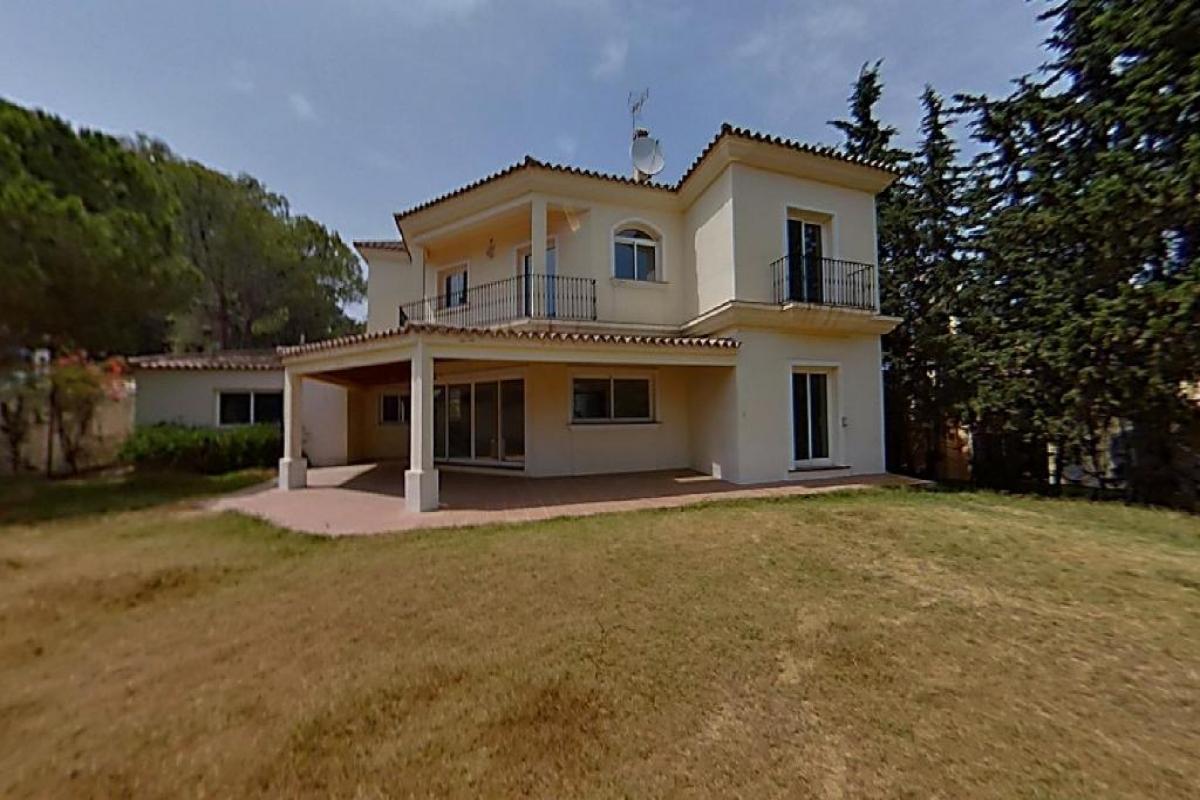 Casa en venta en Nueva Andalucía, Marbella, Málaga, Urbanización Andalucia la Nueva, 1.142.500 €, 4 habitaciones, 5 baños, 463 m2