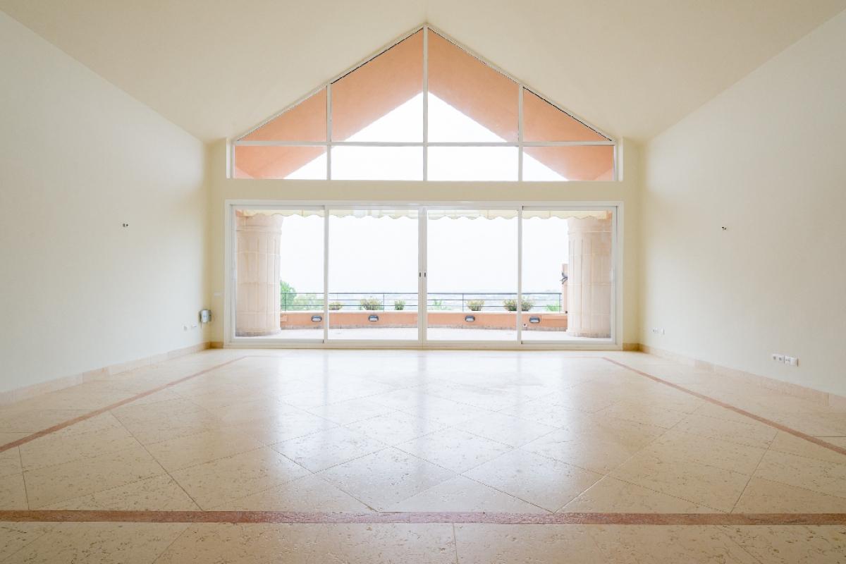 Piso en venta en Nueva Andalucía, Marbella, Málaga, Urbanización Magna Marbella, 1.020.000 €, 3 habitaciones, 4 baños, 302 m2