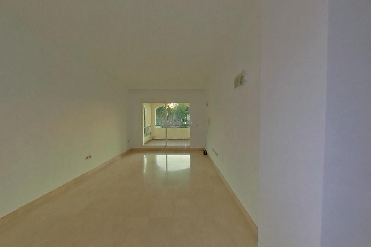 Piso en venta en Sea And Sun Hills Estepona, Estepona, Málaga, Urbanización la Joyas, 190.000 €, 2 habitaciones, 2 baños, 129 m2