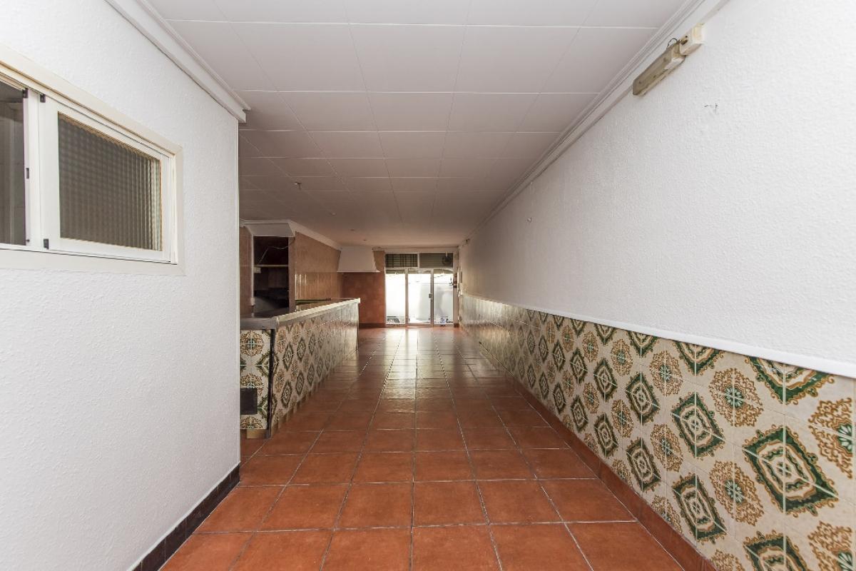 Local en venta en Ciutat Vella, Mataró, Barcelona, Calle Victoria, 77.500 €, 94 m2