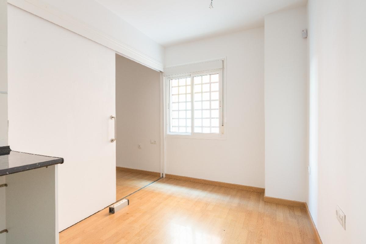 Piso en venta en Centro, Málaga, Málaga, Calle Altozano, 82.500 €, 1 habitación, 1 baño, 34 m2