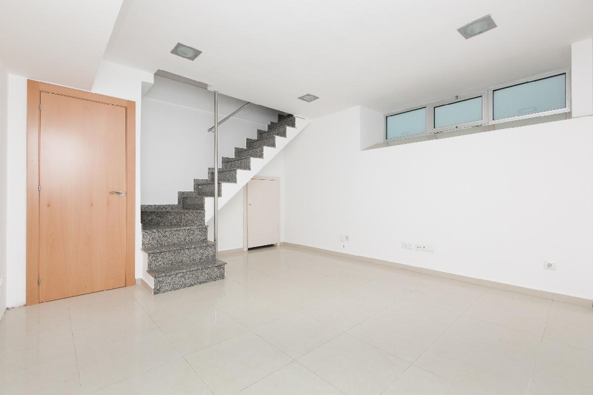 Local en venta en Molins de Rei, Barcelona, Avenida Valencia, 62.000 €, 57 m2